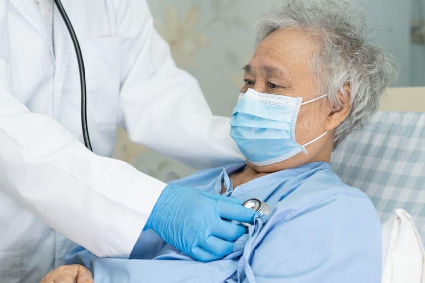 Vem har en måttlig risk för svår sjukdom